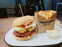 20191205_ヒロミ_1_burgerfuel.jpg